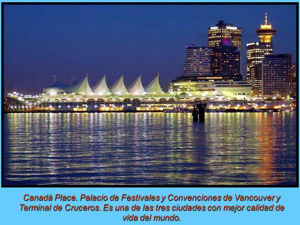 Canadá Place. Palacio de Festivales y Convenciones de Vancouver y Terminal de Cruceros.