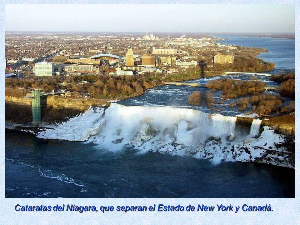 Cataratas del Niagara, que separan el Estado de New York y Canadá.