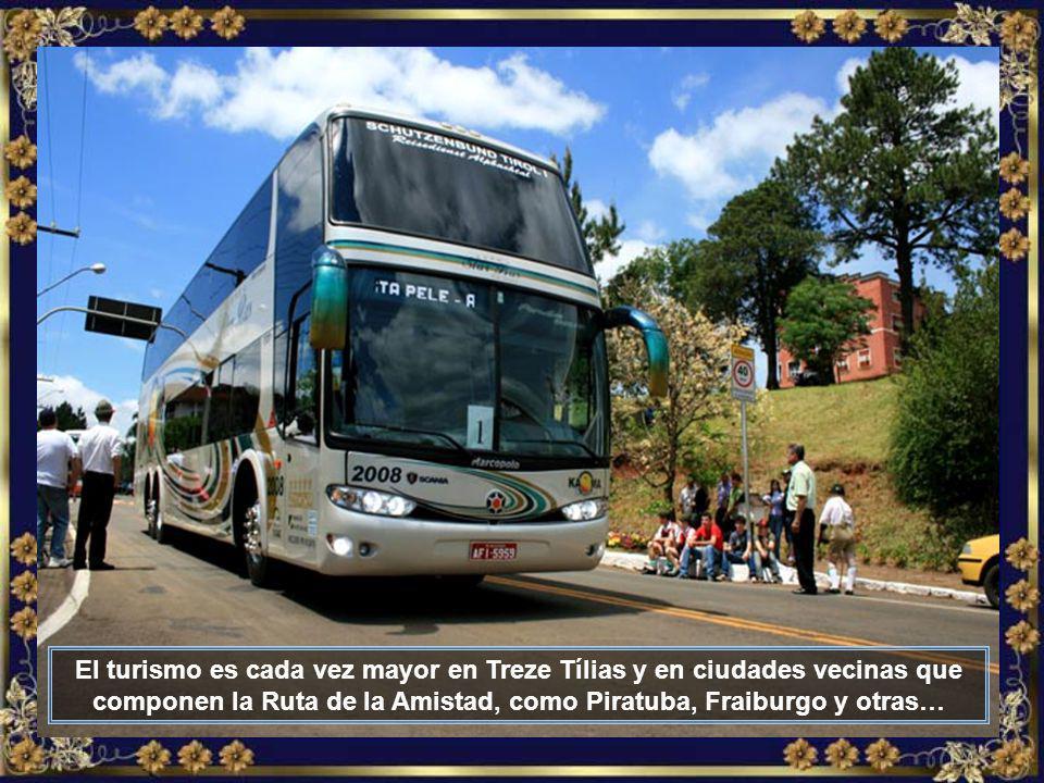 IMG_6221 - TREZE TÍLIAS - ÔNIBUS DE TURISMO-700.jpg