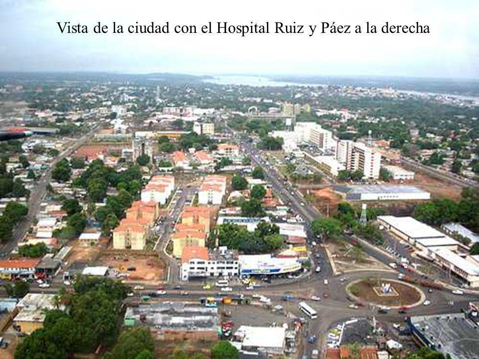 Vista de la ciudad con el Hospital Ruiz y Páez a la derecha