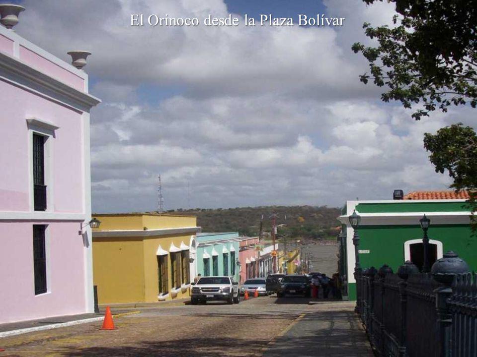 El Orinoco desde la Plaza Bolívar
