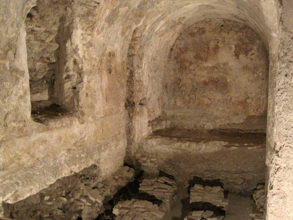 Una visita ineludible son los baños árabes,