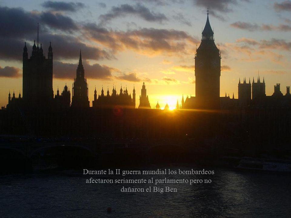 Durante la II guerra mundial los bombardeos afectaron seriamente al parlamento pero no dañaron el Big Ben
