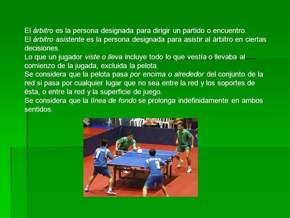 El árbitro es la persona designada para dirigir un partido o encuentro.