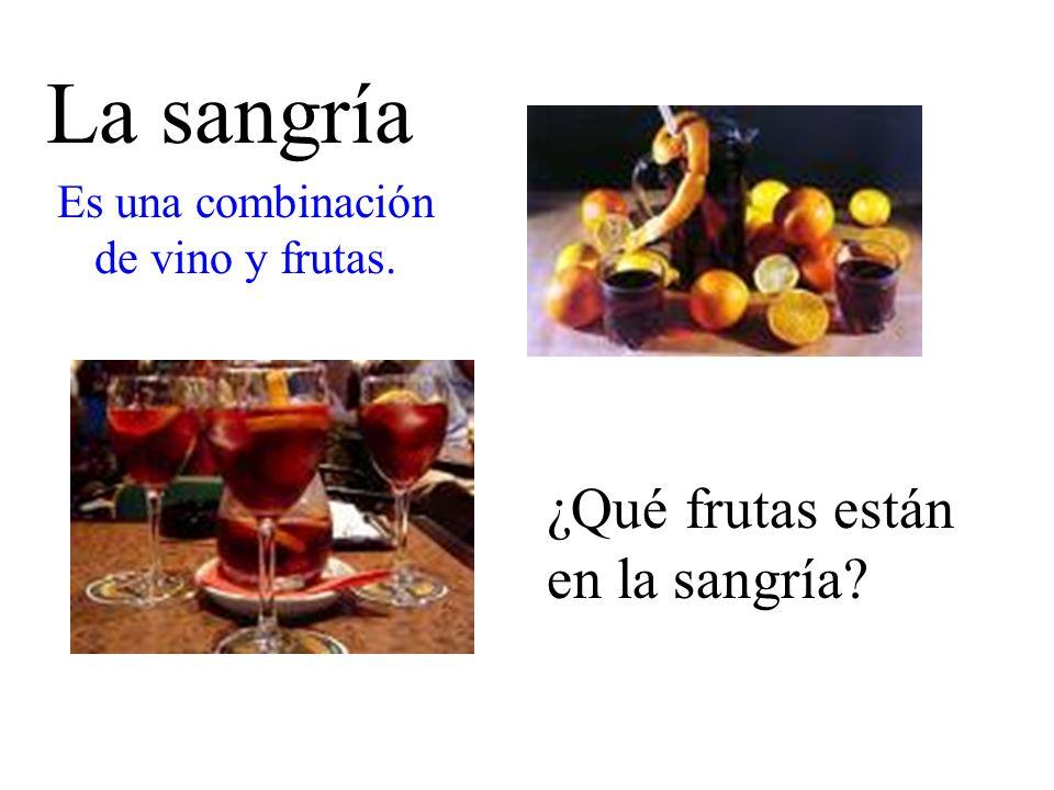 Es una combinación de vino y frutas.