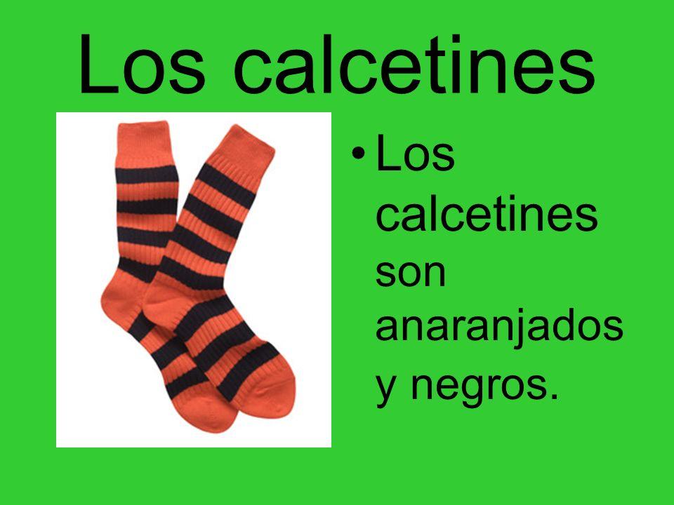 Los calcetines Los calcetines son anaranjados y negros.