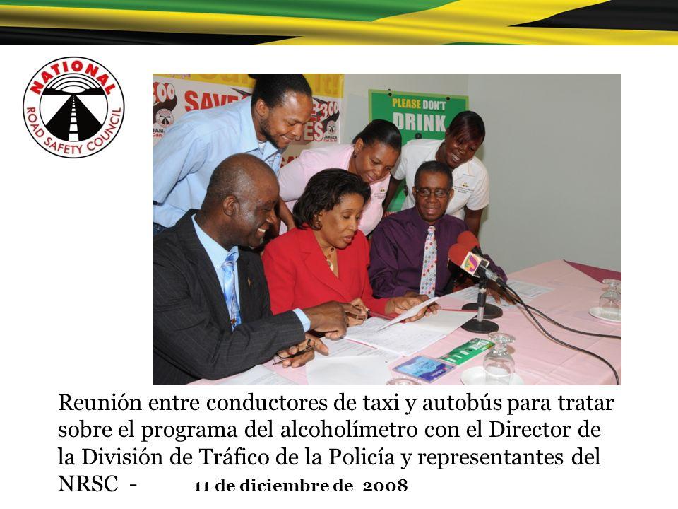 Reunión entre conductores de taxi y autobús para tratar sobre el programa del alcoholímetro con el Director de la División de Tráfico de la Policía y representantes del NRSC - 11 de diciembre de 2008