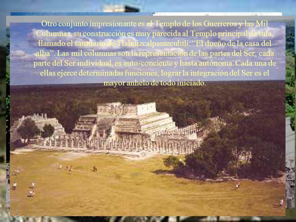 Otro conjunto impresionante es el Templo de los Guerreros y las Mil Columnas, su construcción es muy parecida al Templo principal de tula, llamado el santuario de Tlahuizcalpantecuhtli: El dueño de la casa del alba .