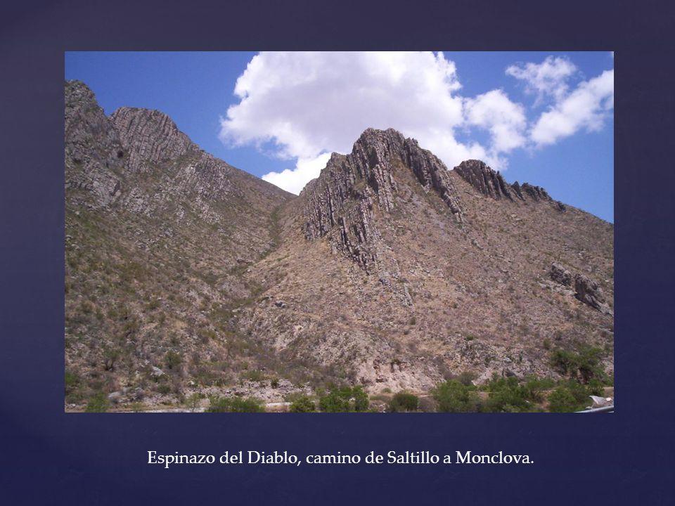 Espinazo del Diablo, camino de Saltillo a Monclova.