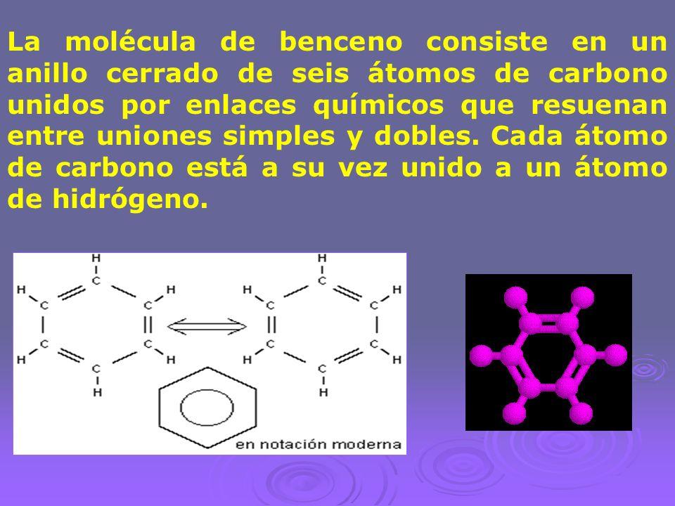La molécula de benceno consiste en un anillo cerrado de seis átomos de carbono unidos por enlaces químicos que resuenan entre uniones simples y dobles.