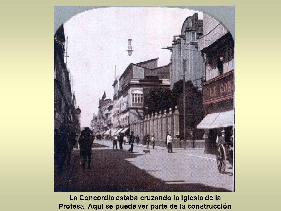 La Concordia estaba cruzando la iglesia de la Profesa