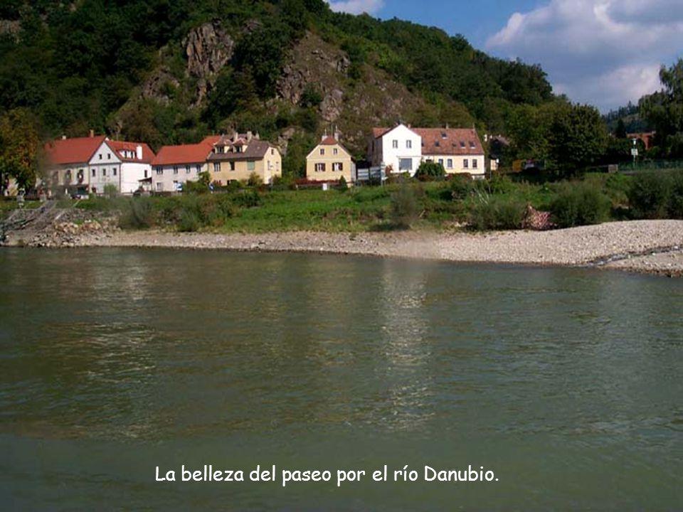 La belleza del paseo por el río Danubio.