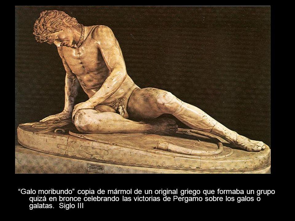 Galo moribundo copia de mármol de un original griego que formaba un grupo quizá en bronce celebrando las victorias de Pergamo sobre los galos o galatas.