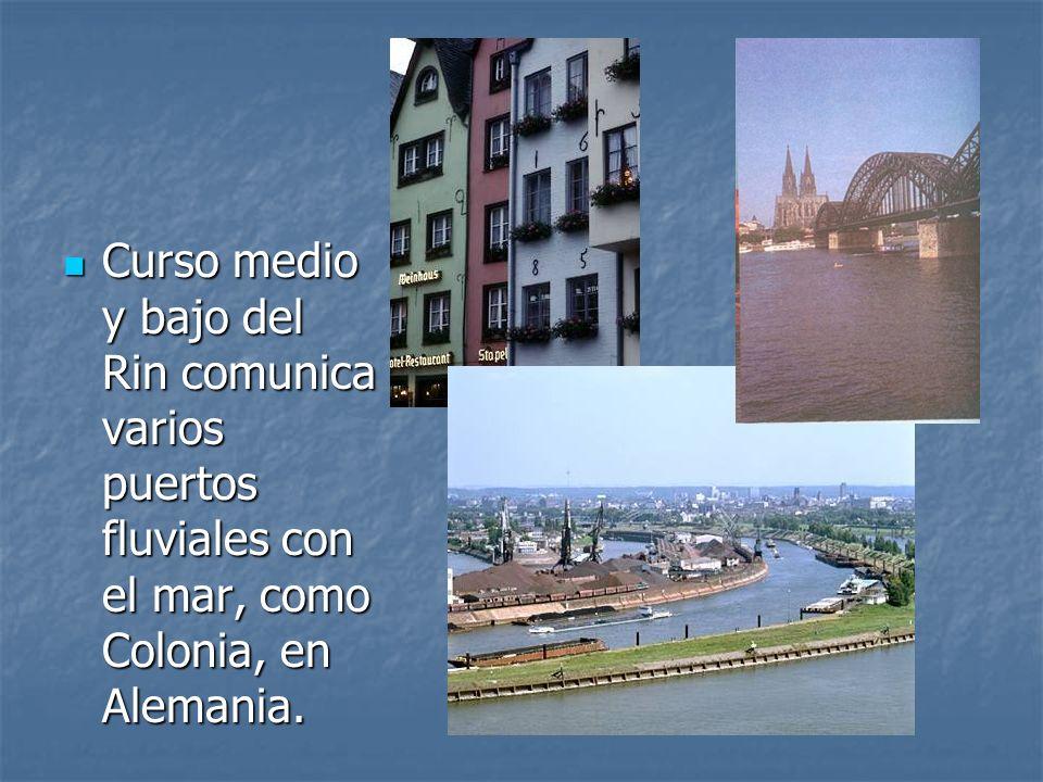 Curso medio y bajo del Rin comunica varios puertos fluviales con el mar, como Colonia, en Alemania.