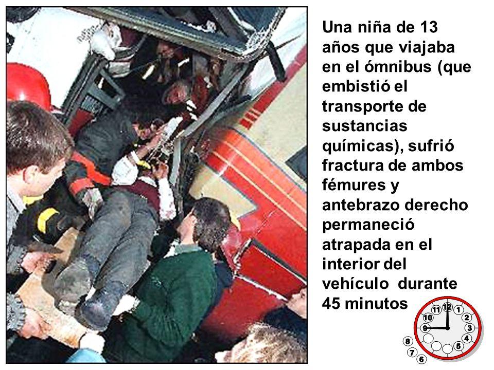 Una niña de 13 años que viajaba en el ómnibus (que embistió el transporte de