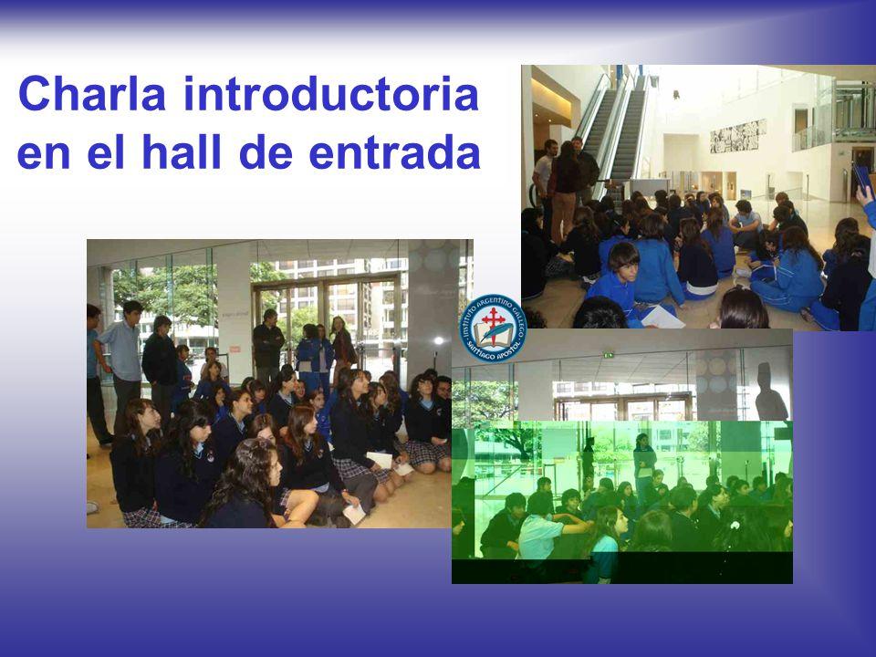 Charla introductoria en el hall de entrada
