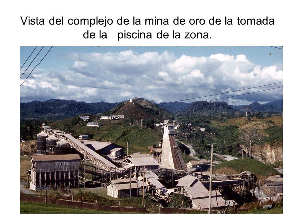 Vista del complejo de la mina de oro de la tomada de la piscina de la zona.