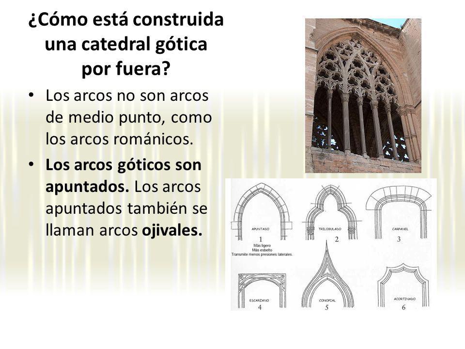 ¿Cómo está construida una catedral gótica por fuera