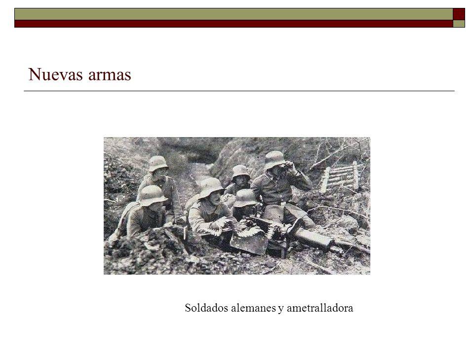 Nuevas armas Soldados alemanes y ametralladora