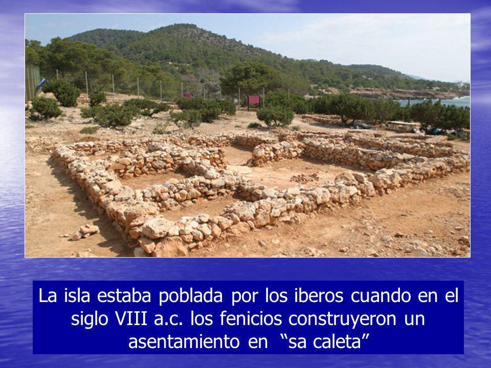 La isla estaba poblada por los iberos cuando en el siglo VIII a. c