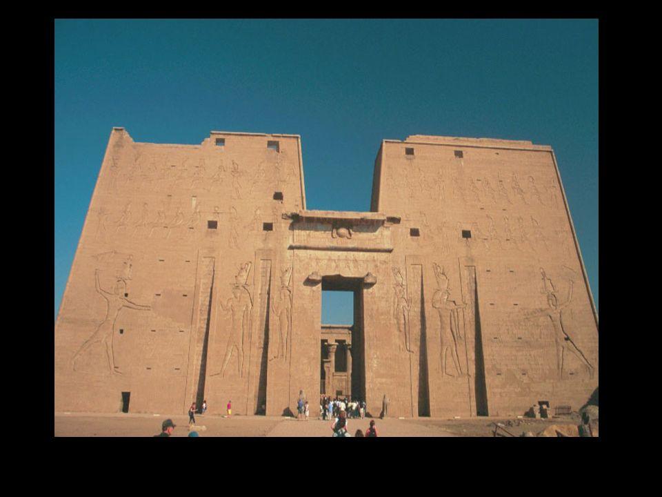 Templo de Edfu (época ptolemaica, 360 a.C.)