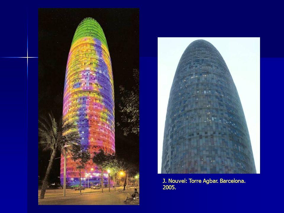 J. Nouvel: Torre Agbar. Barcelona. 2005.