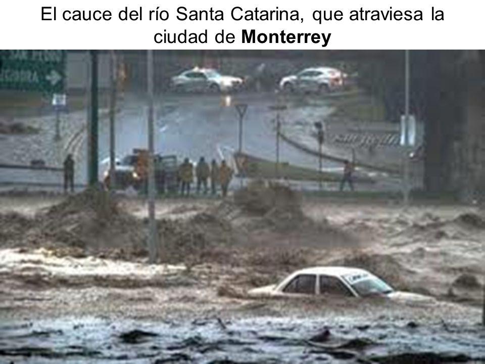 El cauce del río Santa Catarina, que atraviesa la ciudad de Monterrey