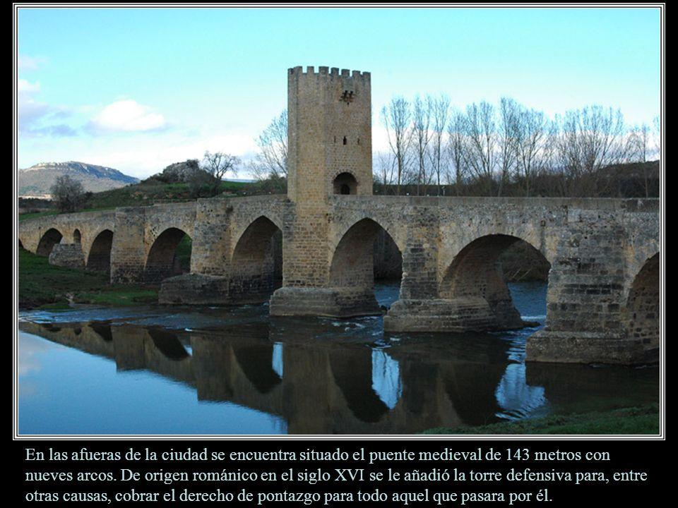 En las afueras de la ciudad se encuentra situado el puente medieval de 143 metros con nueves arcos.