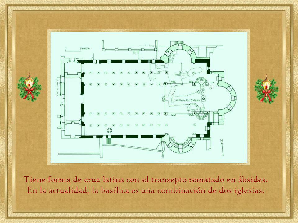 Tiene forma de cruz latina con el transepto rematado en ábsides.