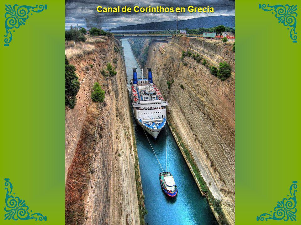 Canal de Corinthos en Grecia