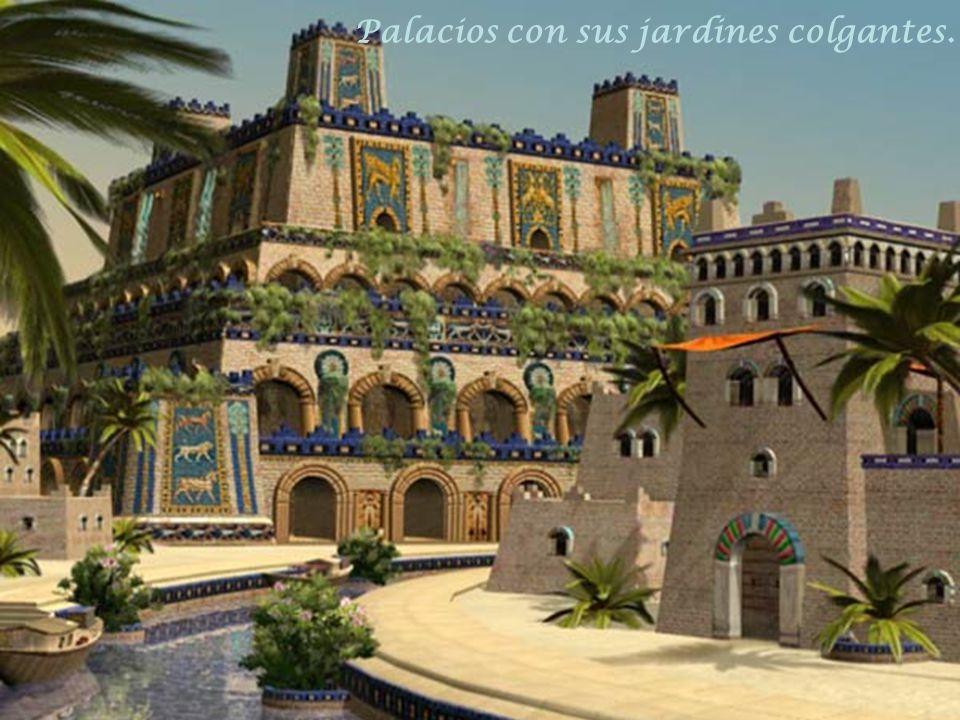 Palacios con sus jardines colgantes.