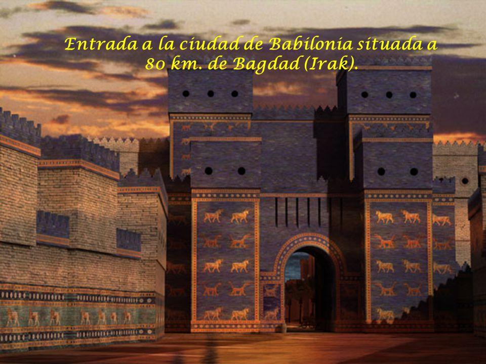 Entrada a la ciudad de Babilonia situada a 80 km. de Bagdad (Irak).