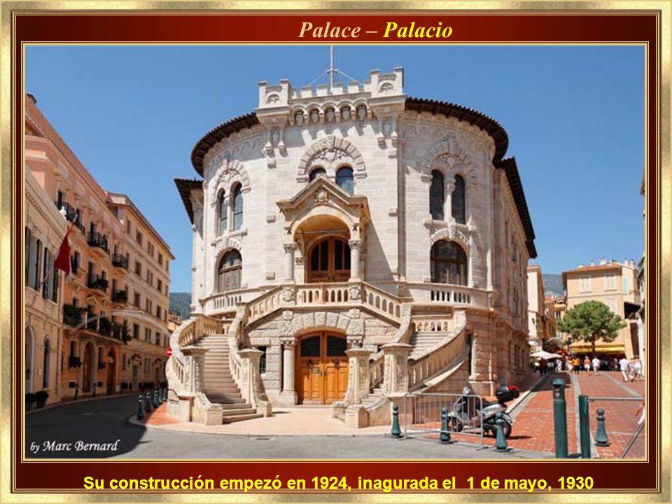 Palace – Palacio Su construcción empezó en 1924, inagurada el 1 de mayo, 1930