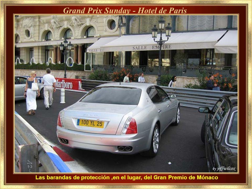 Las barandas de protección ,en el lugar, del Gran Premio de Mónaco