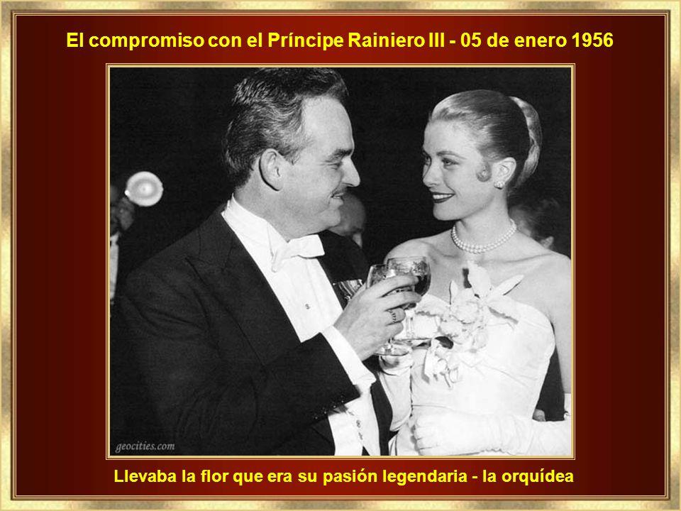 El compromiso con el Príncipe Rainiero III - 05 de enero 1956