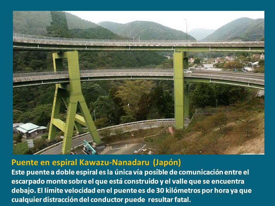 Puente en espiral Kawazu-Nanadaru (Japón)