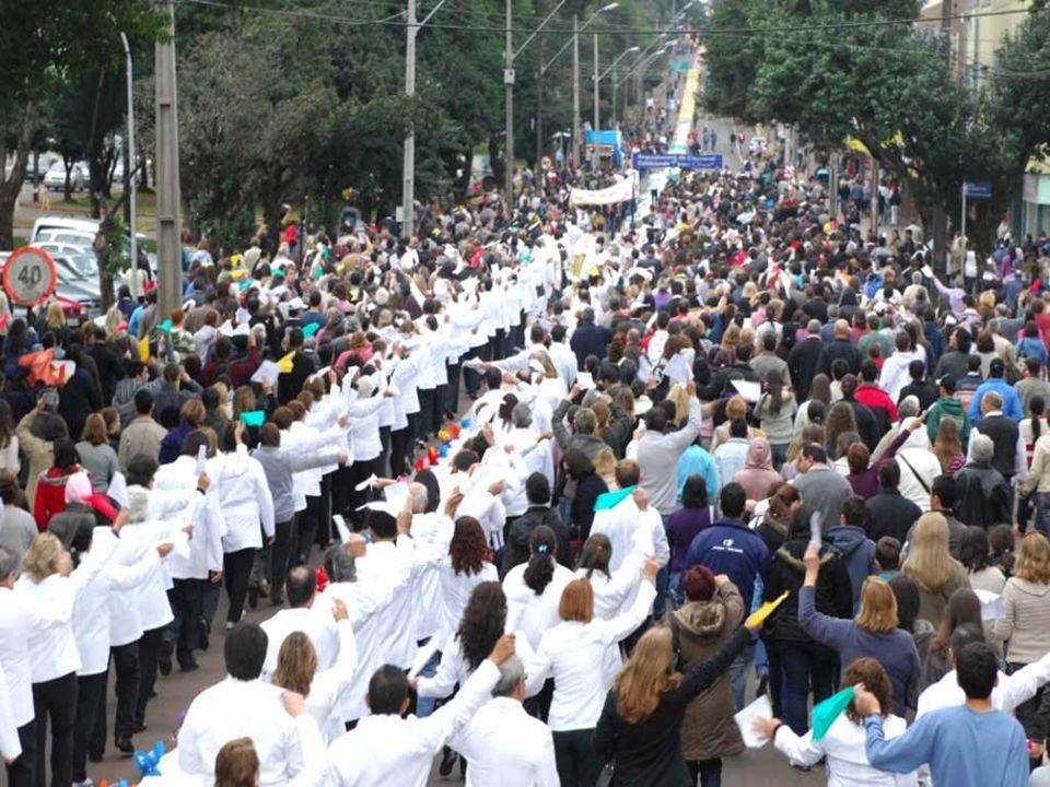 El Jueves Santo la Iglesia celebra la institución de la Eucaristía.