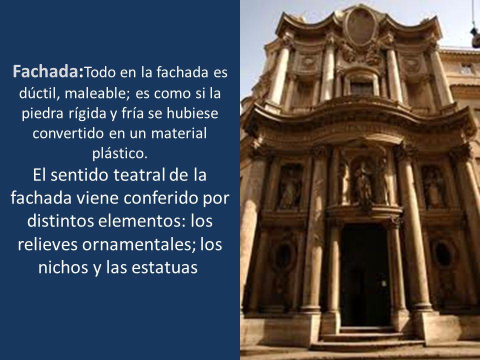 Fachada:Todo en la fachada es dúctil, maleable; es como si la piedra rígida y fría se hubiese convertido en un material plástico.