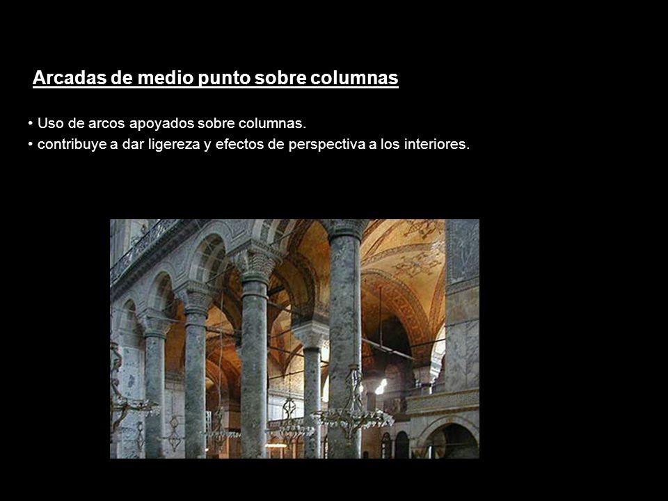 Arcadas de medio punto sobre columnas