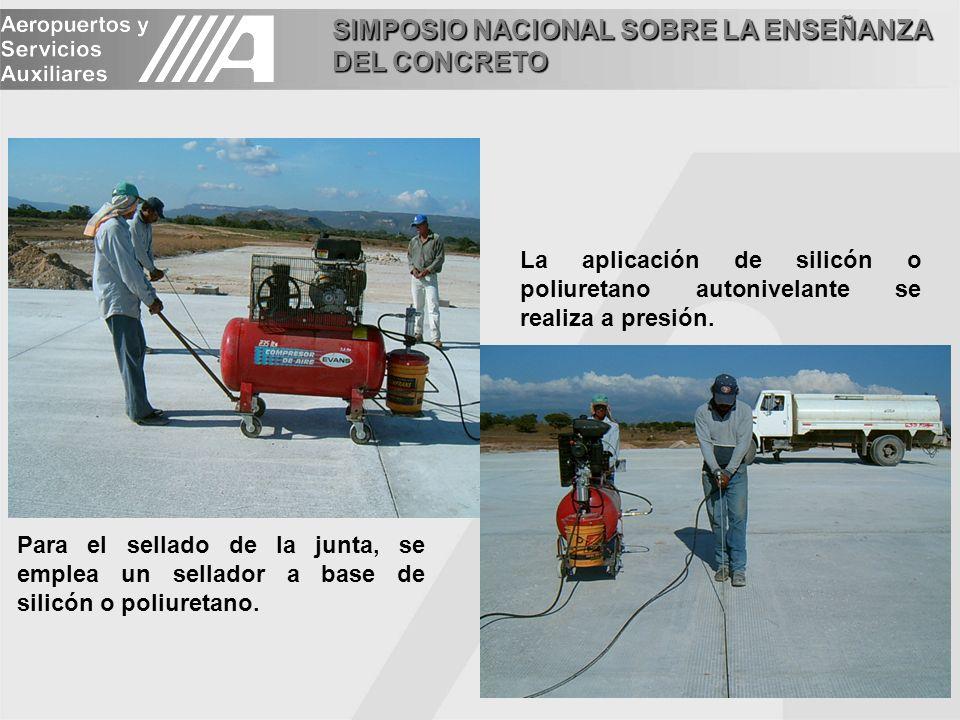 La aplicación de silicón o poliuretano autonivelante se realiza a presión.