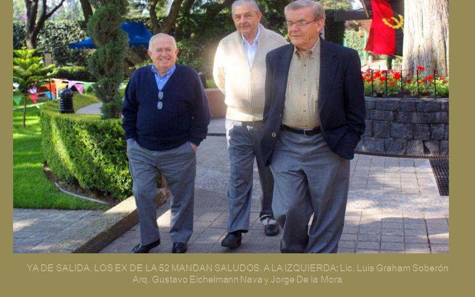YA DE SALIDA, LOS EX DE LA 52 MANDAN SALUDOS. A LA IZQUIERDA: Lic
