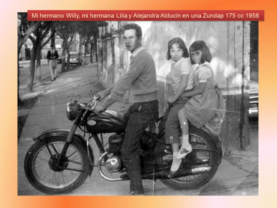 Mi hermano Willy, mi hermana Lilia y Alejandra Alducin en una Zundap 175 cc 1958