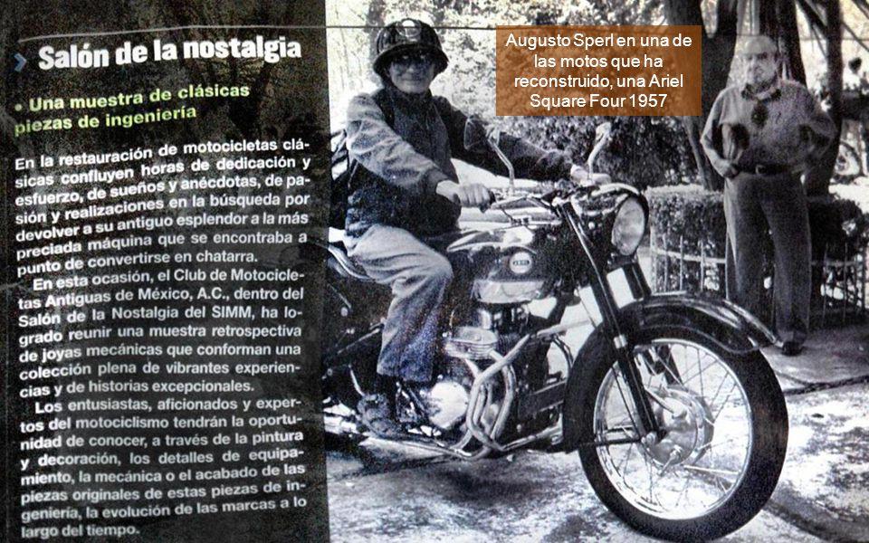 Augusto Sperl en una de las motos que ha reconstruido, una Ariel Square Four 1957