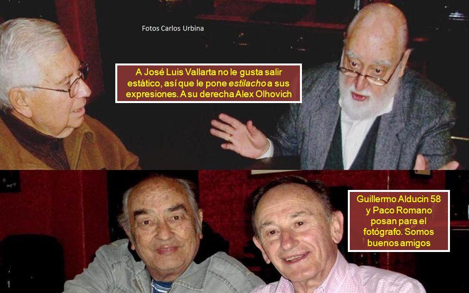 A José Luis Vallarta no le gusta salir estático, así que le pone estilacho a sus expresiones. A su derecha Alex Olhovich