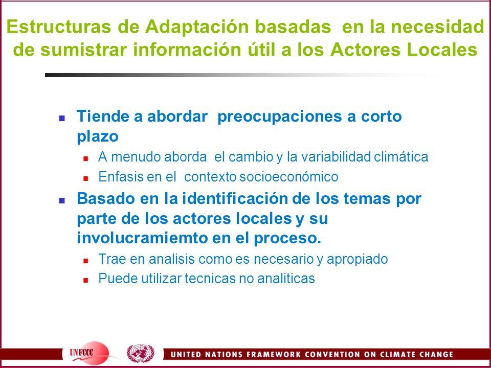 Estructuras de Adaptación basadas en la necesidad de sumistrar información útil a los Actores Locales