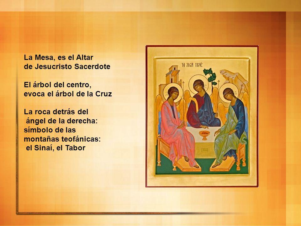 La Mesa, es el Altar de Jesucristo Sacerdote. El árbol del centro, evoca el árbol de la Cruz. La roca detrás del.