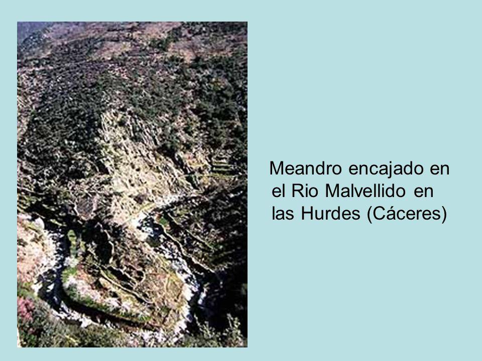 Meandro encajado en el Rio Malvellido en las Hurdes (Cáceres)