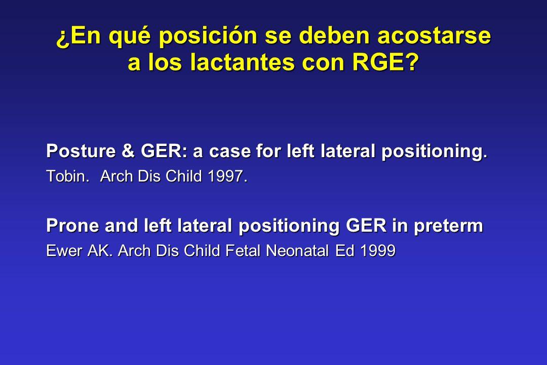¿En qué posición se deben acostarse a los lactantes con RGE