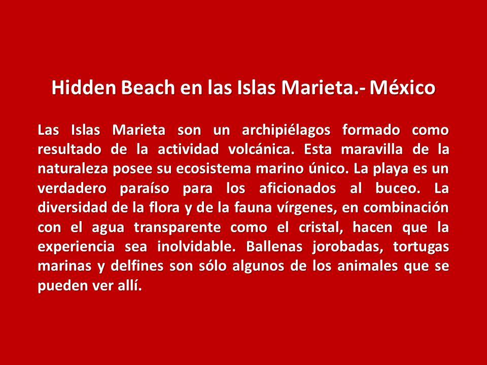 Hidden Beach en las Islas Marieta.- México