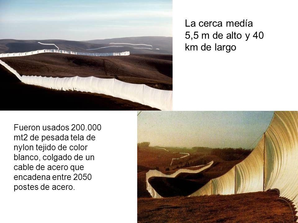 La cerca medía 5,5 m de alto y 40 km de largo